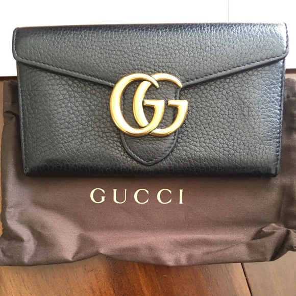 8bef343c06523c Gucci Handbags - 100% Authentic Gucci GG Marmont Continental Wallet